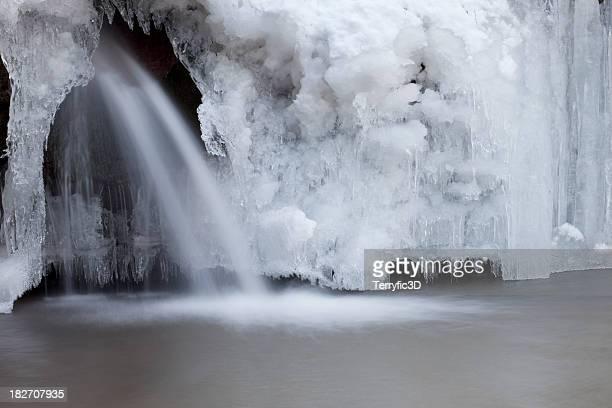 frozen waterfall - terryfic3d stockfoto's en -beelden
