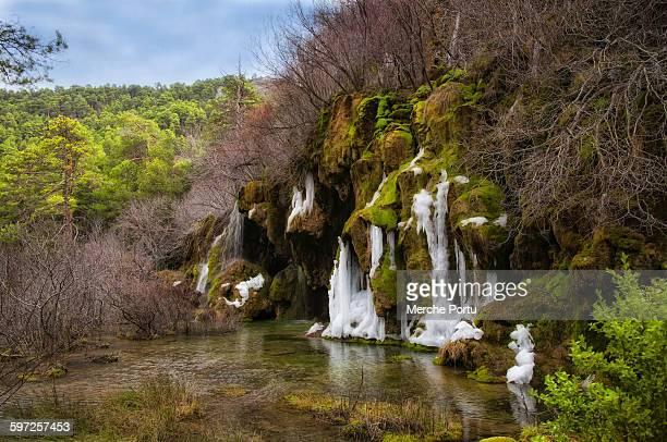 frozen waterfall - cuenca provincia de cuenca fotografías e imágenes de stock
