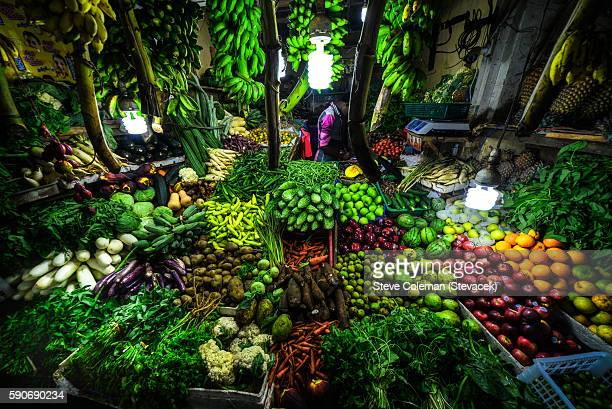 fruit and vegetable market - kandy kandy district sri lanka stock pictures, royalty-free photos & images