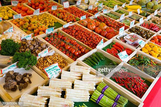 fruit and vegetable shop at viktualienmarkt, elevated view - viktualienmarkt stock pictures, royalty-free photos & images