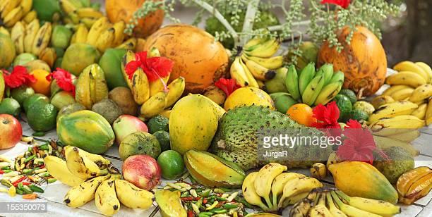 fruits à l'épicerie the market, seychelles - seychelles photos et images de collection