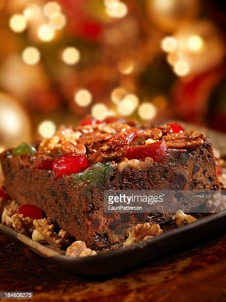 fruit cake at christmas - fruit cake stock pictures, royalty-free photos & images