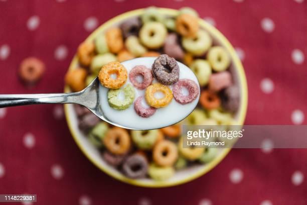 fruit cereal - alimentação não saudável imagens e fotografias de stock