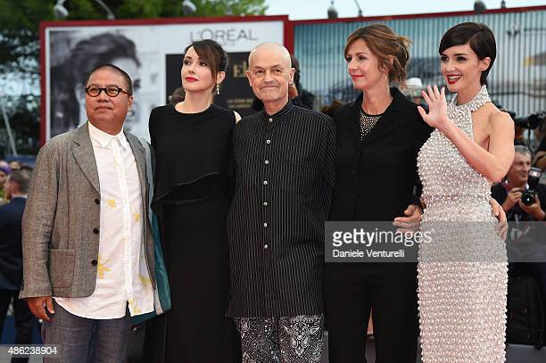 Fruit Chan, Anita Caprioli Jonathan Demme, Alix Delaporte and Paz Vega attend the opening ceremony and premiere of 'Everest' during the 72nd Venice...