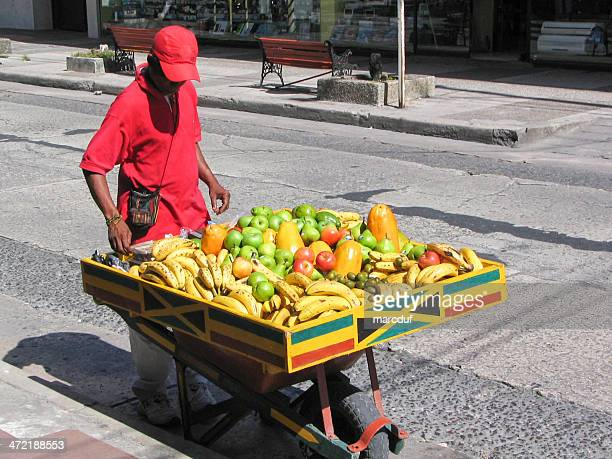 fruit delivery - poor service delivery stock pictures, royalty-free photos & images