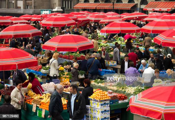 fruit market in dolac, zagreb - zagreb stock pictures, royalty-free photos & images
