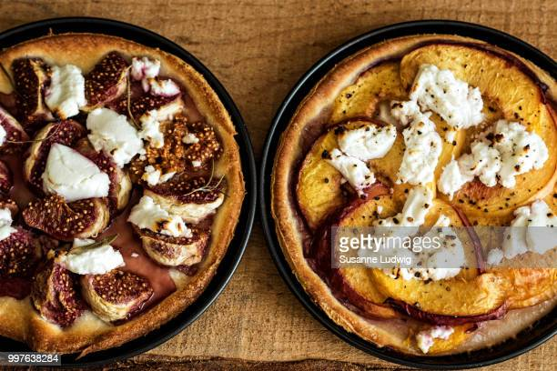 fruit pizza - susanne ludwig stock pictures, royalty-free photos & images
