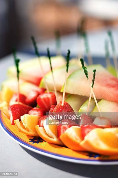 fruit platter - ポットラック ストックフォトと画像