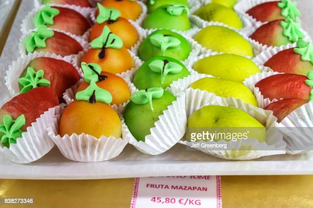 Fruit shaped marzipan gift box for sale in Pasteleria Santo Tome