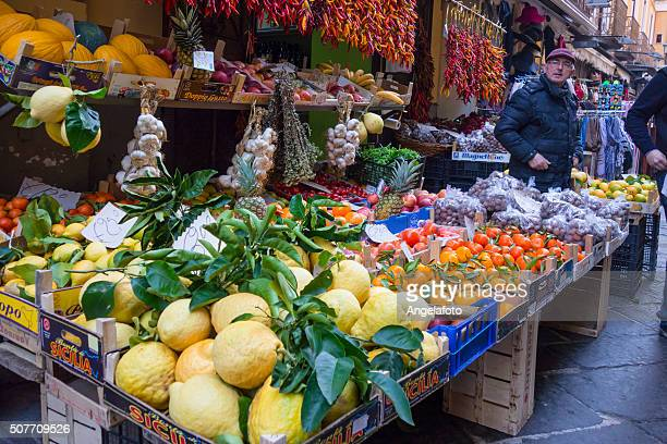 fruit street market in sorrento, italy - sorrento italy stock pictures, royalty-free photos & images