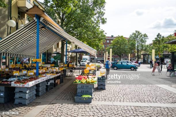 Obst und Gemüse verkaufen ulica Stockholm, Schweden.