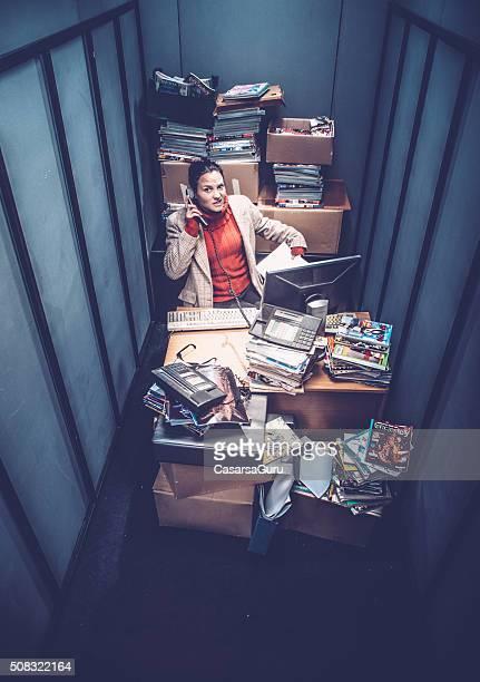 frustrated office worker - förstoring bildbanksfoton och bilder