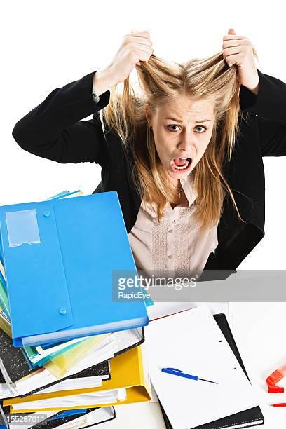 Frustriert müde junge Geschäftsfrau Reißen Sie Ihr Haar