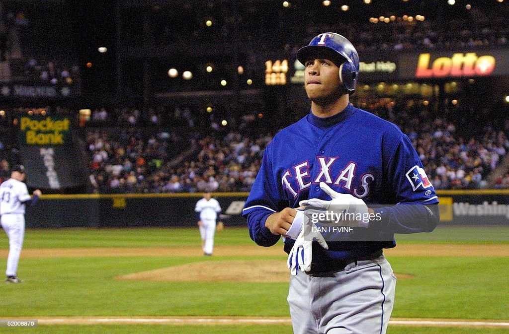 Frustrated Texas Ranger Alex Rodriguez walks off t : News Photo