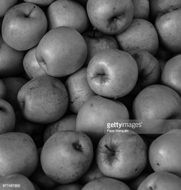 fruta prohibida - fruta stock photos and pictures