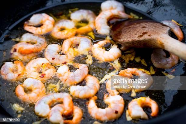 Frying prawns