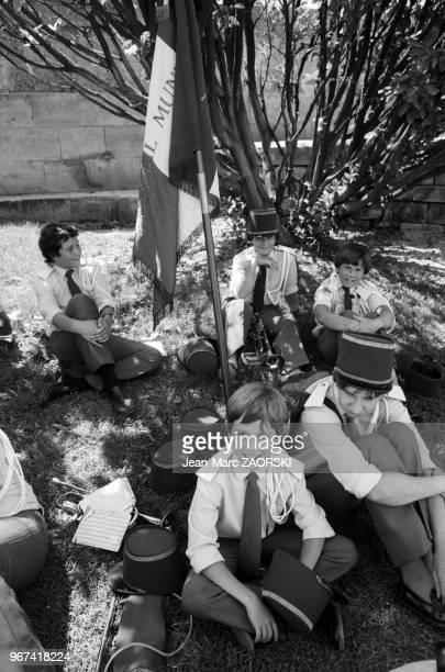 Fêtes de la Tarasque fêtes traditionnelles le dernier week end de juin célébrant SainteMarthe et la Tarasque monstre légendaire local Alphonse Daudet...