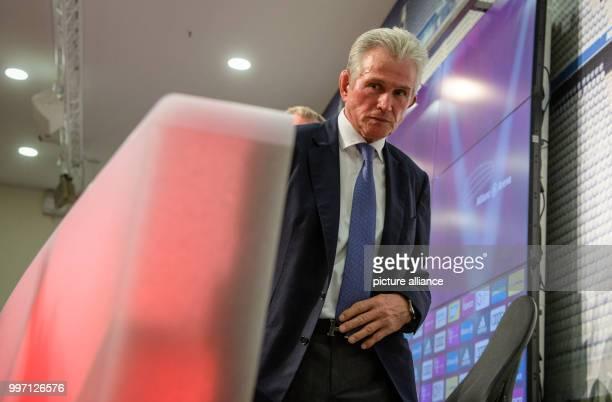 Bundesliga Pressekonferenz FC Bayern München am mit der Vorstellung des neuen Trainers in der Allianz Arena in München Der neue Trainer Jupp Heynckes...