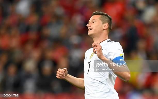 Confederations Cup Vorrunde Gruppe B 2 Spieltag Deutschland gegen Chile am in der KasanArena in Kasan Deutschlands Julian Draxler reagiert auf eine...