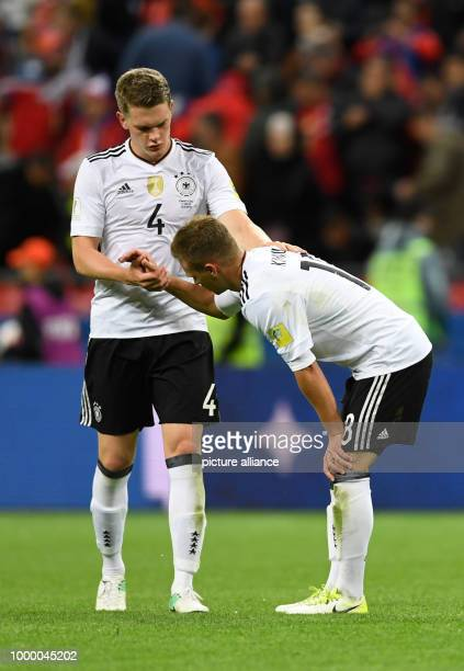 Confederations Cup Vorrunde Gruppe B 2 Spieltag Deutschland gegen Chile am in der KasanArena in Kasan Deutschlands Matthias Ginter und Joshua Kimmich...