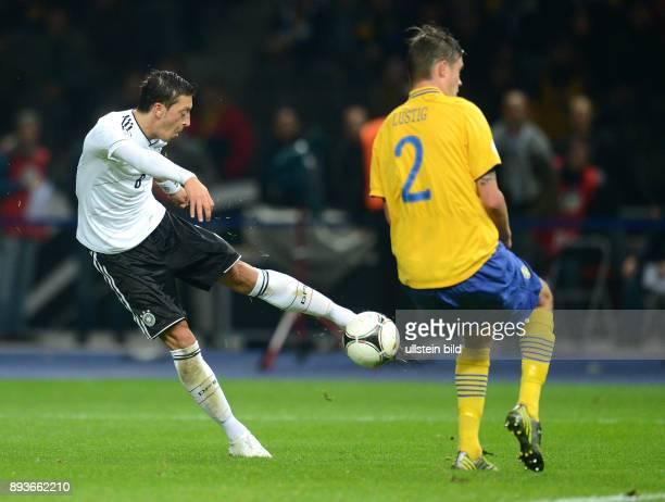 FIFA FußballWeltmeisterschaft Brasilien 2014 Qualifikation Gruppe C Fussball International WM Qualifikation 2014 0 durch Mesut Oezil gegen Mikael...