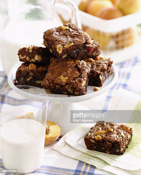 fudge brownies - brownie stock pictures, royalty-free photos & images