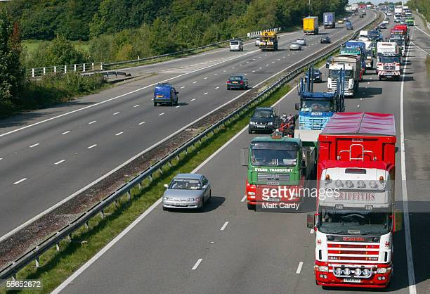 Fuel protesters from South Wales Hauliers Association stage a 20mph rolling blockade along a 100 miles of the M4 motorway from Crosshands near...