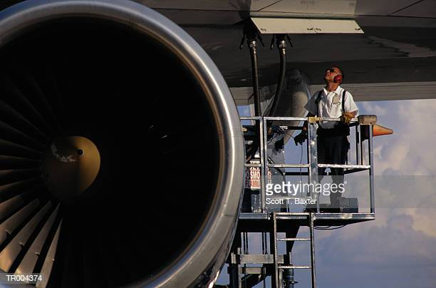 fueling up airplane - refuelling stock pictures, royalty-free photos & images