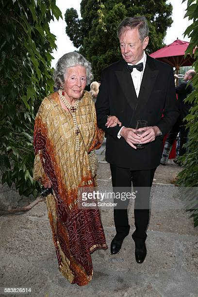 Fuerstin 'Manni' Marianne SaynWittgensteinSayn SaynWittgenstein and her son prince Peter zu SaynWittgenstein during the ISA gala at Schloss...