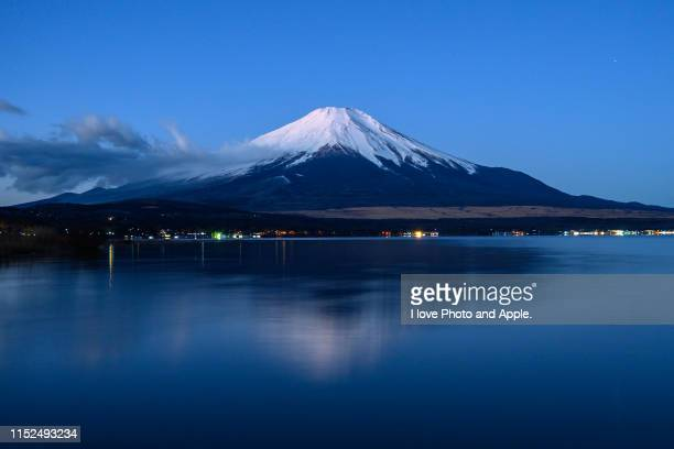 fuji and lake yamanaka - yamanashi prefecture stock pictures, royalty-free photos & images