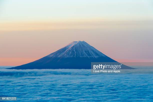 Fuji, Floating in the sea of clouds