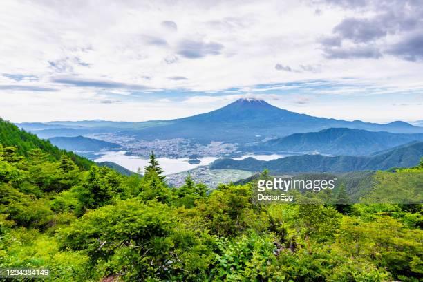 fuji mountain and fujikawaguchiko town with kawaguchiko lake at shindotoge mountain - 山梨県 ストックフォトと画像