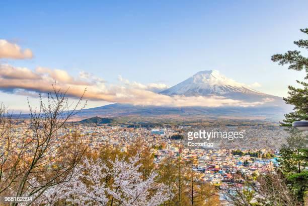 fuji mountain and fujiyoshida town in spring sakura festival, japan - 静岡市 ストックフォトと画像