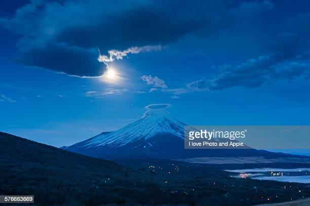 Fuji, Spring moonlight