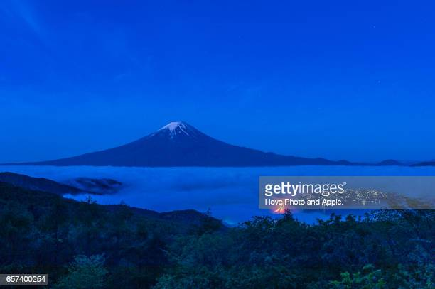 fuji spring scenery - 湖 stock pictures, royalty-free photos & images