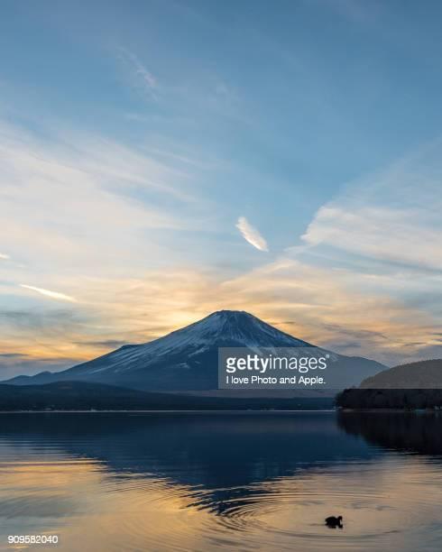 fuji sunset view - 一月 ストックフォトと画像