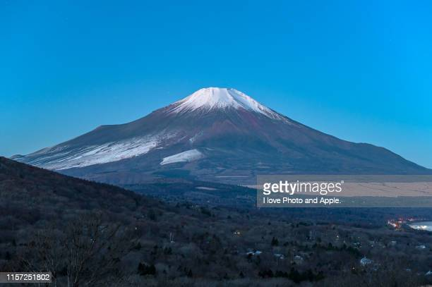 fuji view at lake yamanaka - yamanashi prefecture stock pictures, royalty-free photos & images