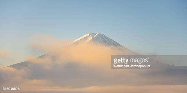fujisan (mt. fuji), kawaguchiko japan - 日本の神社 ストックフォトと画像