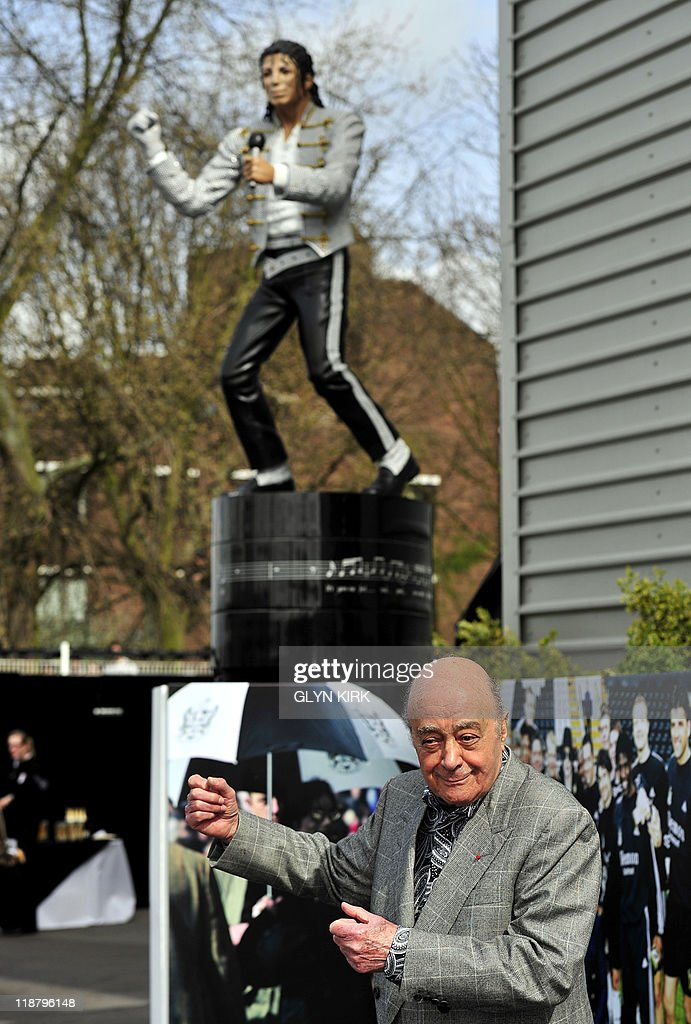 Fulham's Chairman Mohamed Al Fayed unvei : News Photo