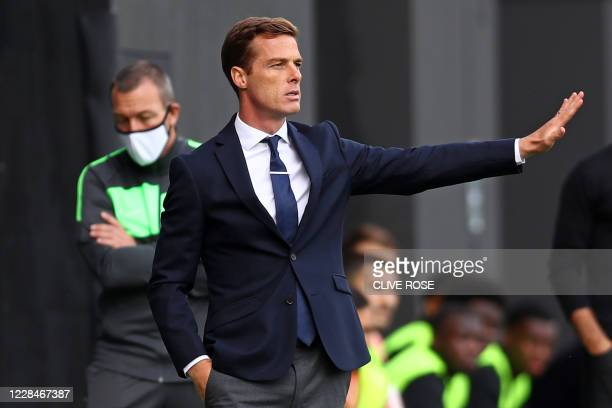 Fulham's English manager Scott Parker gestures during the English Premier League football match between Fulham and Arsenal at Craven Cottage in...