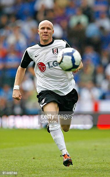 Fulham's English striker Andy Johnson in action during their English Premier League football match against Portsmouth at Fratton Park in Portsmouth...