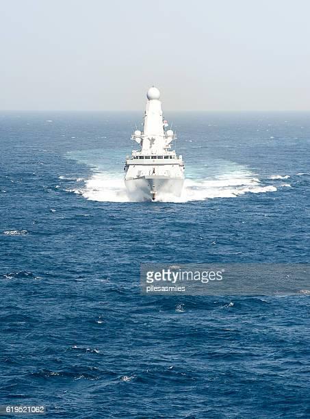full ahead, type 45, arabian sea - contratorpedeiro - fotografias e filmes do acervo