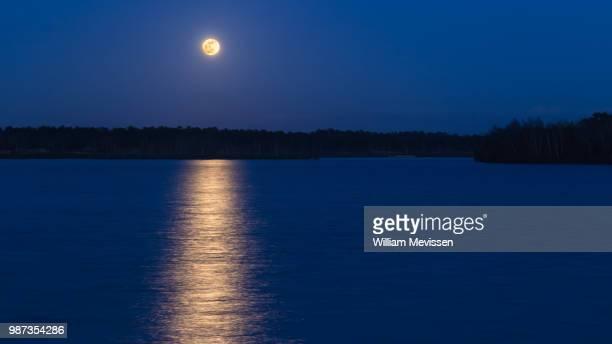 full blue moon - william mevissen ストックフォトと画像