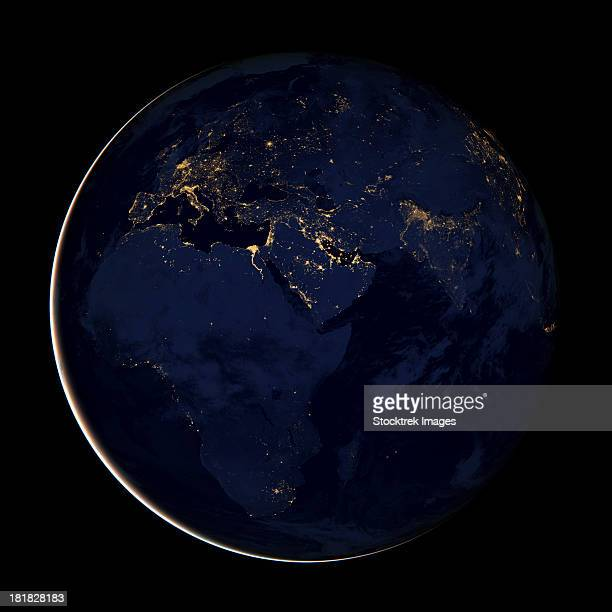 full earth showing city lights of africa, europe, and the middle east. - europa continente foto e immagini stock