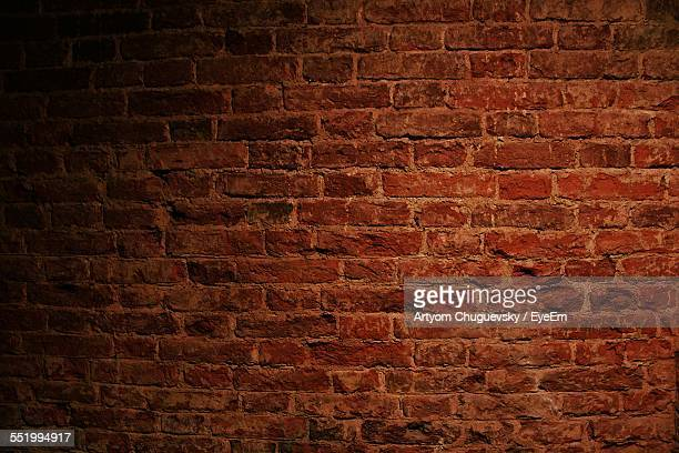 full frame of brick wall - mattone foto e immagini stock