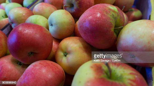 full frame shot of apples for sale at market stall - keith savage stock-fotos und bilder