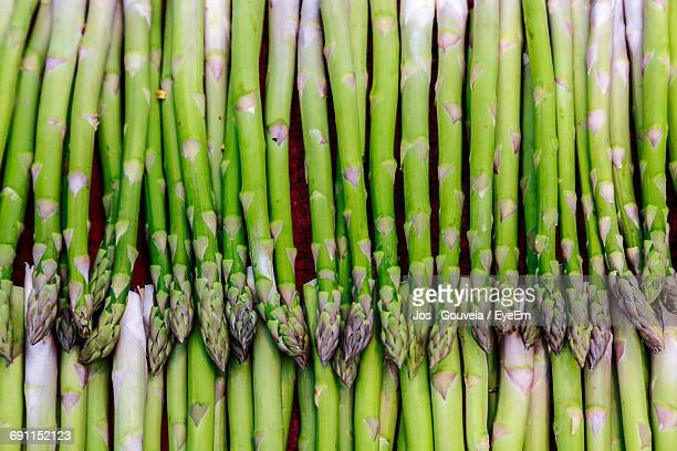 full frame shot of asparagus - asparagus stock pictures, royalty-free photos & images