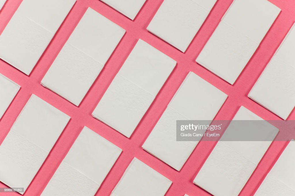 Full Frame Shot Of Facial Tissues Over Coral Background : Foto de stock