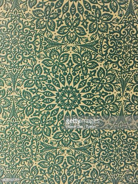 Full Frame Shot Of Floral Patterned Wallpaper
