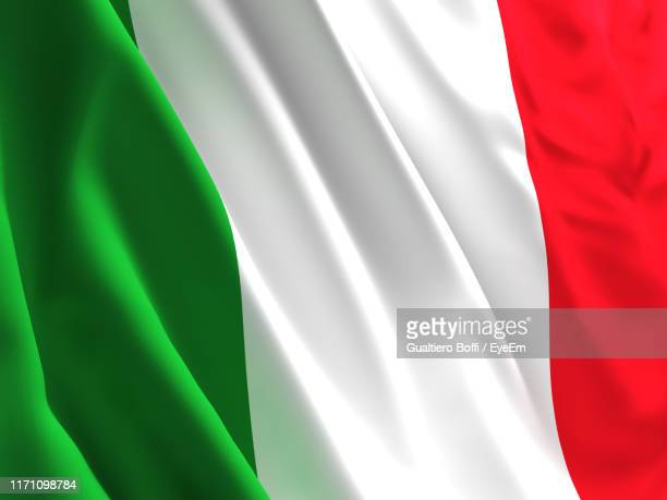 full frame shot of italian flag - bandera italiana fotografías e imágenes de stock